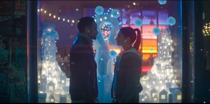 Move someone this holiday. Apple's Christmas advert for 2017 for the Apple earpods.